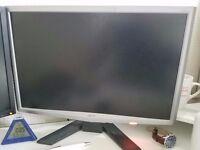 2 x ACER 20' screens