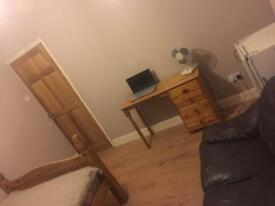 Rooms available to rent all bills included
