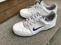 Kids Nike Golf shoes. Size 5.5. FREE