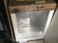 BRAND NEW IN PACKAGING AEG INTERGRATED DISHWASHER MODEL F55320ViO 2 year warranty