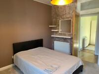 2 BEDROOM WARM AND BRIGHT, CLOSE TO UNIS AND CENTRE, FURNISHED AND MODERN, FREE PARKING