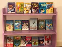 Selection of 18 Boys reading books for ages >6 (Includes David Williams, Roald Dahl,...etc... (£20)