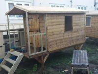 caravan playhouse / Wendy house
