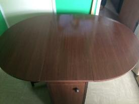 Butterfly oval folding table +4 chairs