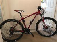 Diamondback men's hardtail mountain bike