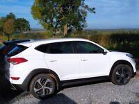 Hyundai Tucson 2.0 Crdi Premium, 4WD, auto, 2016 in Polar White. VGC