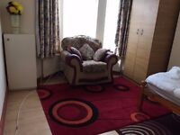 A beautiful Double room in Bury Park rented for a professional single
