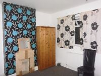 DOUBLE BEDROOM TO RENT CLOSE TO TOWN CENTER