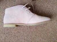 Light pink ankle boots size 6