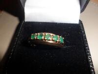9ct ladies vintage emerald ring.