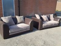 Superb 1 month old brown and beige corded sofa suite. 3 and 2 seater sofas, delivery available