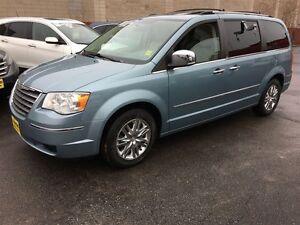 2010 Chrysler Town & Country Limited ,Navigation, Leather, Sunro