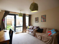 1 bed in a modern devepolment with a private garden minutes to Finsbury Park Station.