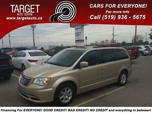 2011 Chrysler Town & Country Touring Dual DVD, Navi, Back-Up Cam