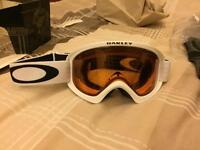 Oakley two matte white frame snow goggles with persimmon lens - X small