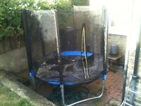 6 ft Trampoline & Net & Cover in Excellent Condition
