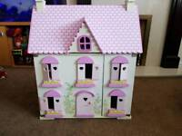 Play house with full dolls/furniture set