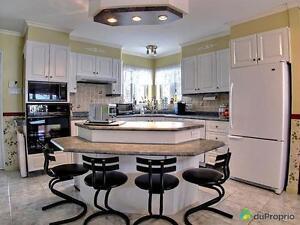 395 000$ - Maison 2 étages à vendre à La Baie Saguenay Saguenay-Lac-Saint-Jean image 3