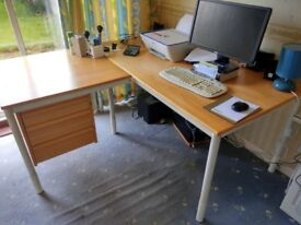 Office desk with drawers for sale 35 pounds only