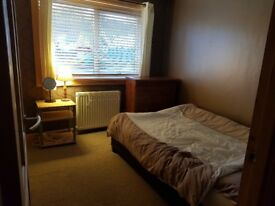 Room to rent in desirable area only short term