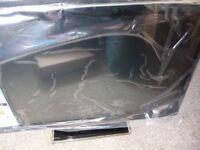 "AVTEC 18.5"" TV WIDE SCREEN LED & SATELLITE DISH"