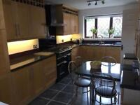 Maple Shaker Kitchen with Granite Worktops