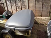 Halfords roof box nice clean condition no key does have clamp to front for holding closed