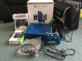 Xbox 360 Console 500GB (special edition) + 2 controllers + Charging Kit + Bag