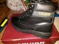 Trojan safety boots uk size 9 brand new