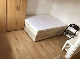 A nice, clean Double room rent in E13 (Single/couple or 2 females)