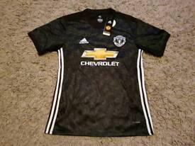 man Utd away shirt