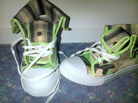 New Camofladge boots/trainers - size 5/6 - £6
