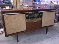Retro Music unit (radio and record player)