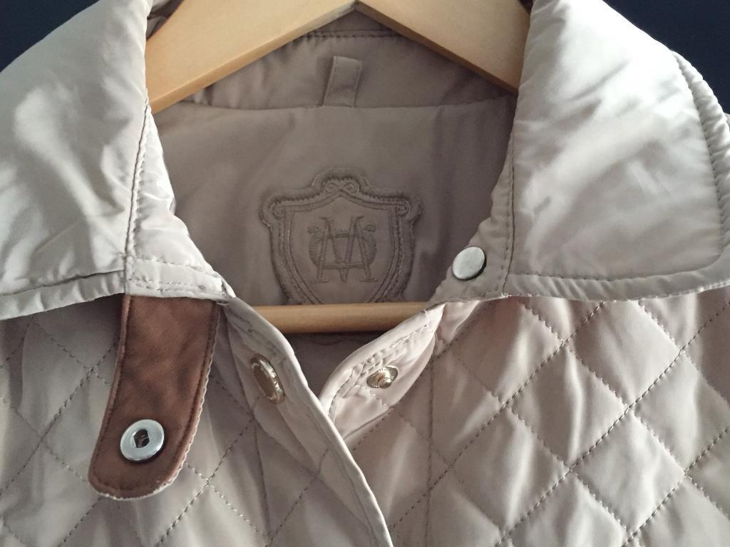 Jacket Massimo Duttiin Blackpool, LancashireGumtree - Jacket from Massimo Dutti Collection guilted colour beige size S new without tagsCan deliver within Blackpool area, TXT 07413004500