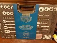 Halfords 200 piece socket set