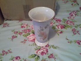 M and S Chrysanthenum vase