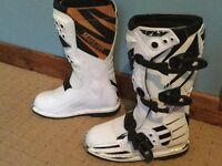 Fly racing mx boots brand new and unused size six £45 contact 07599597308