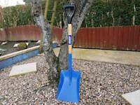 As new Jewsons large pan shovel snow