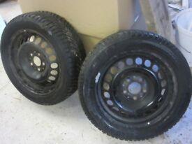 2 Michelin 195/55/R16 Winter Tyres on Wheels