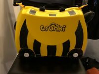 Yellow 'Bee' kids Trunki suitcase