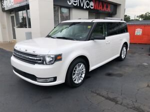 2013 Ford Flex SEL- SUNROOF, NAVIGATION SYSTEM, REAR VIEW CAMERA