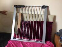 Extending Safety Gate Aluminium Stair Baby Premium Pressure Metal Door Barrier