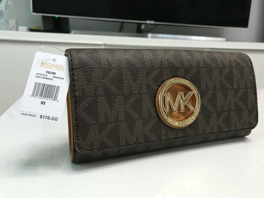 9ad8b428fe0a Authentic brand new with tag Michael Kors ladies wallet | in Stoke-on ...