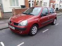 RENAULT CLIO(2004)5dr.IDEAL 1st CAR.very low tax & insurance