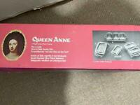 Queen Anne oven for table dish with silver serving