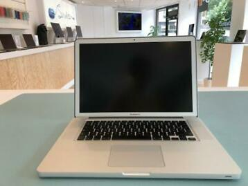 Macbook Pro 15 (Core i7 – 4GB – 250SSD)