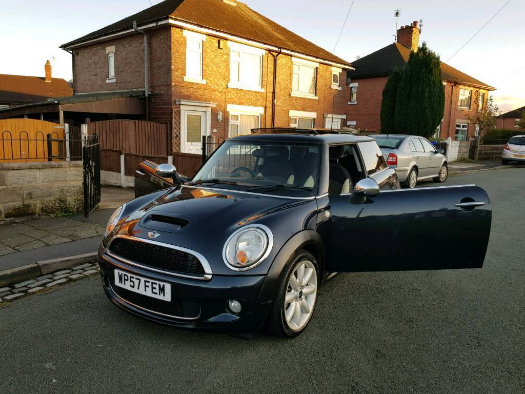 Mini Hatch1.6 Cooper D Panaromic Roof and Twin sunroof