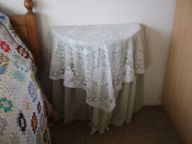 Semi circular table with covers