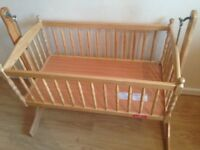 Baby wide swinging crib
