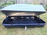 Halfords Grey Roof Box ABS 380L capacity lockable with 2 keys good condition with Thule roofbars inc